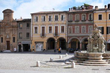 Un'Italia che reagisce. Omofobia a Cesena