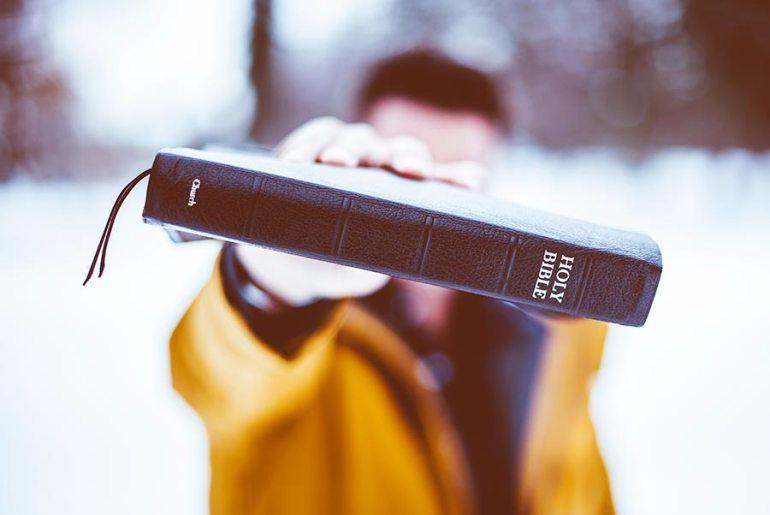 I Papa Boys 3.0 in difesa della De Mari stile Pulp Fiction