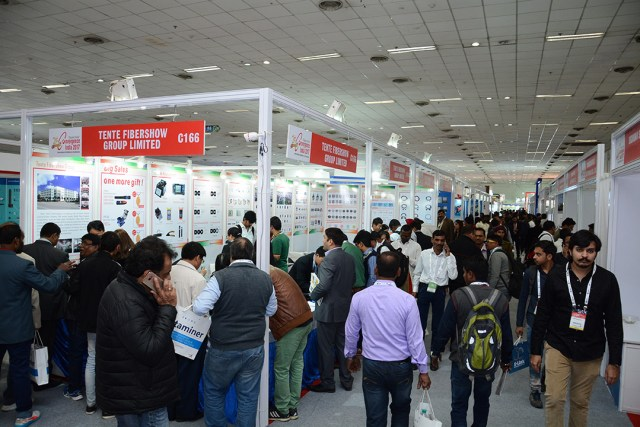 convergence india show floor