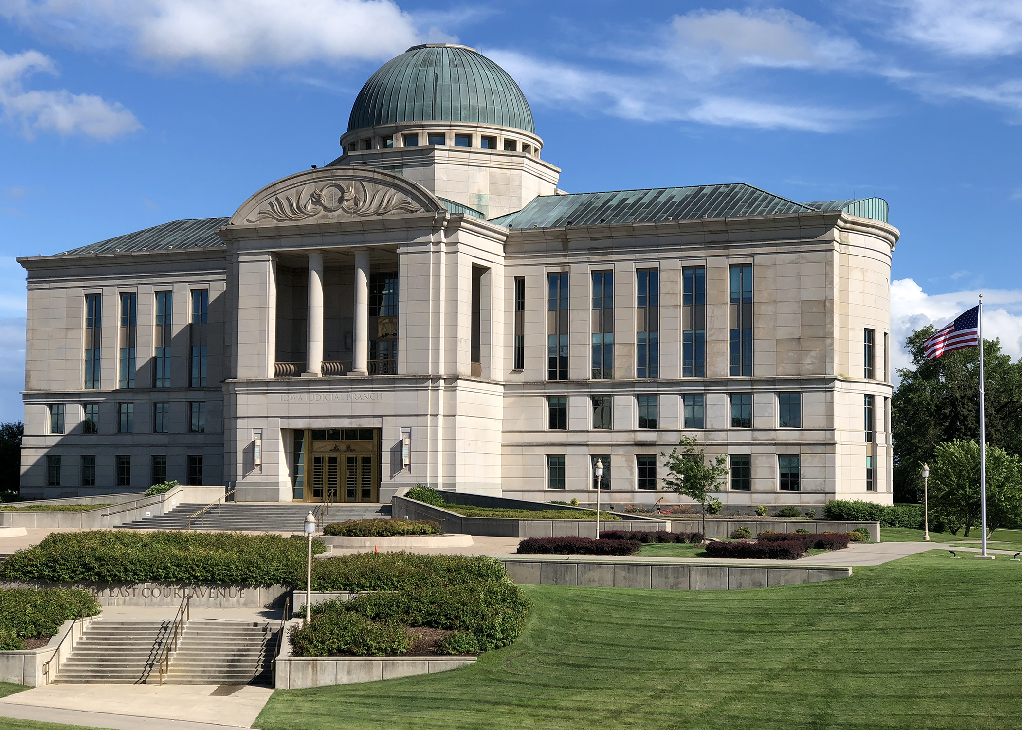 Judge Two Attorneys Are Finalists For Iowa Supreme Court