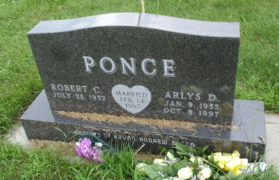 Arlys Ponce gravestone