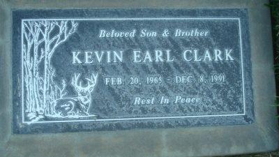 kevin-clark-gravestone