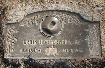 louis-chambers-gravestone