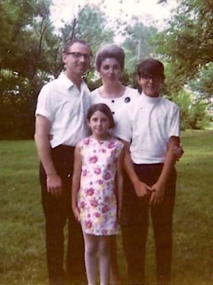 Bill, Etta, Patricia and Billy Veach