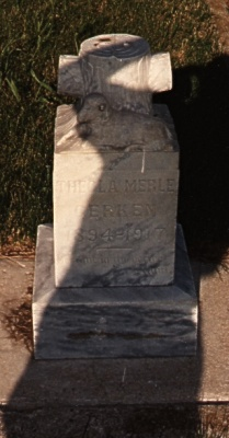 Thecla Gerken gravestone