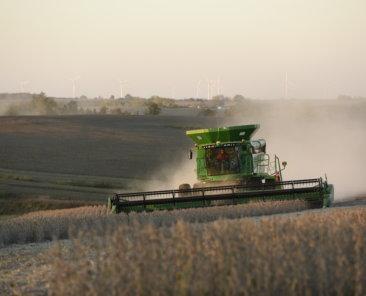 Iowa land auction and real estate company. Farmland estates, farmland trusts.