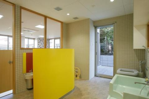 南谷山保育園_沐浴室・乳児トイレ
