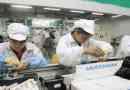 Foxconn、iPhone組み立て工場での高校生インターンの違法残業をすぐに中止したと発表