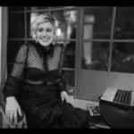 Apple、世界女性デーを祝しPR動画「Behind The Mac」を公開!