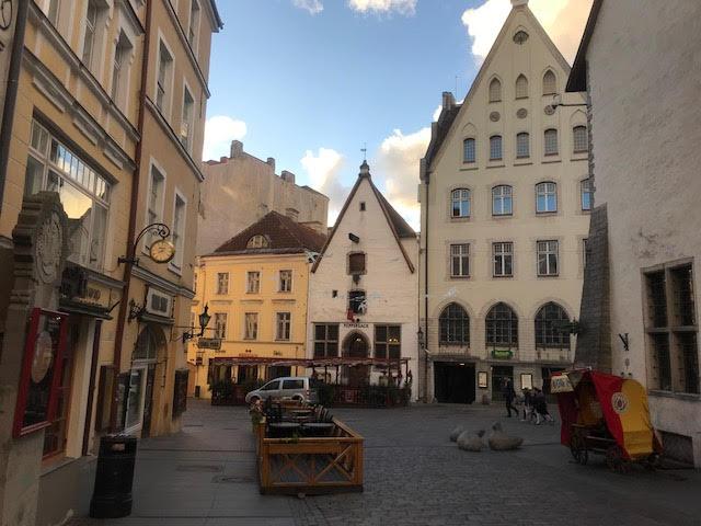 【ブログ】世界の街並みと古家再生の魅力