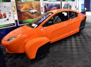 Elio car.jpg