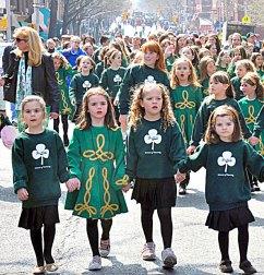 children-in-parade