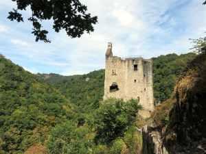 Les Tours de Merle, France, medieval fortress, remparts