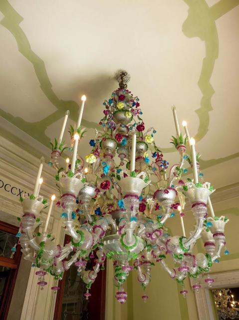 Villa Widmann - chandelier
