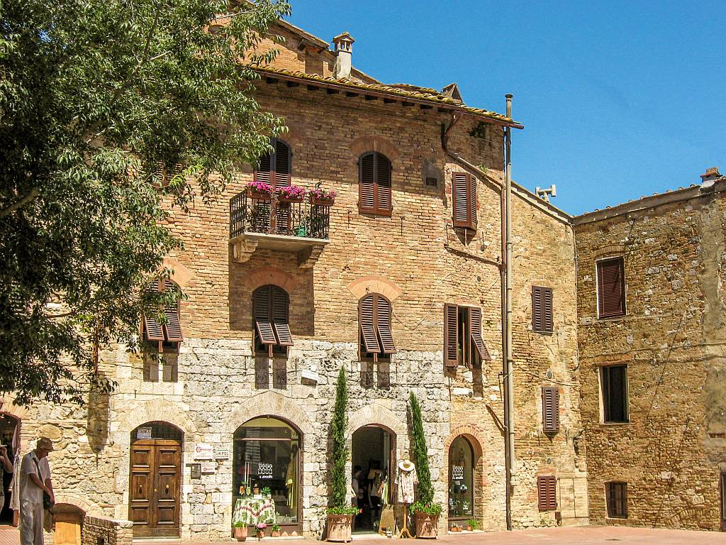 Iconic places to visit in Tuscany for first-timers