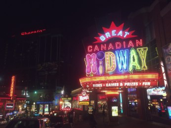 Clifton Hill.....at night