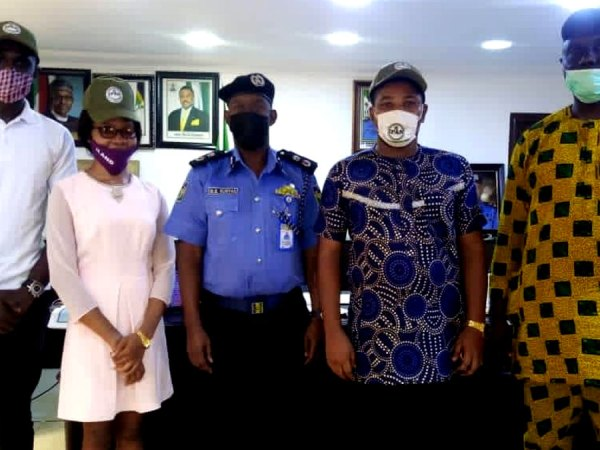 IPAN-members-with-Anambra-state-commissioner-of-police