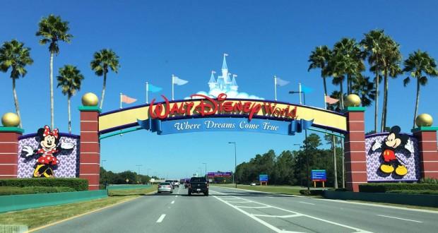L'ingresso di Walt Disney World il parco divertimenti piu grande del mondo