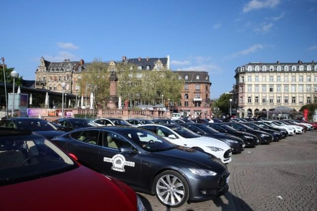 Tesla Marktplatz Wiesbaden