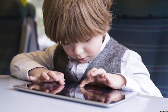 ابعد أطفالك عن التكنولوجيا