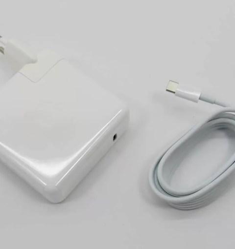 Apple USB-C адаптер питания