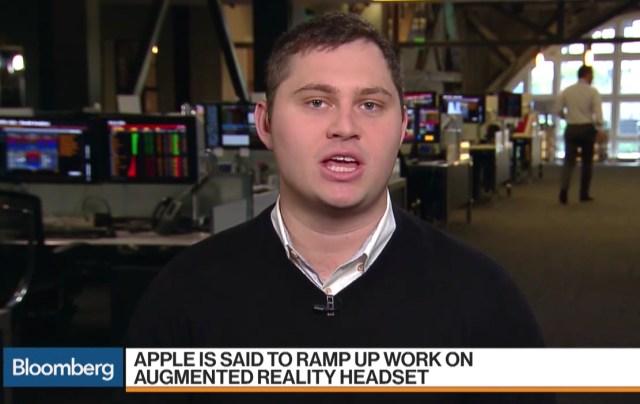 Mark Gurman en Bloomberg