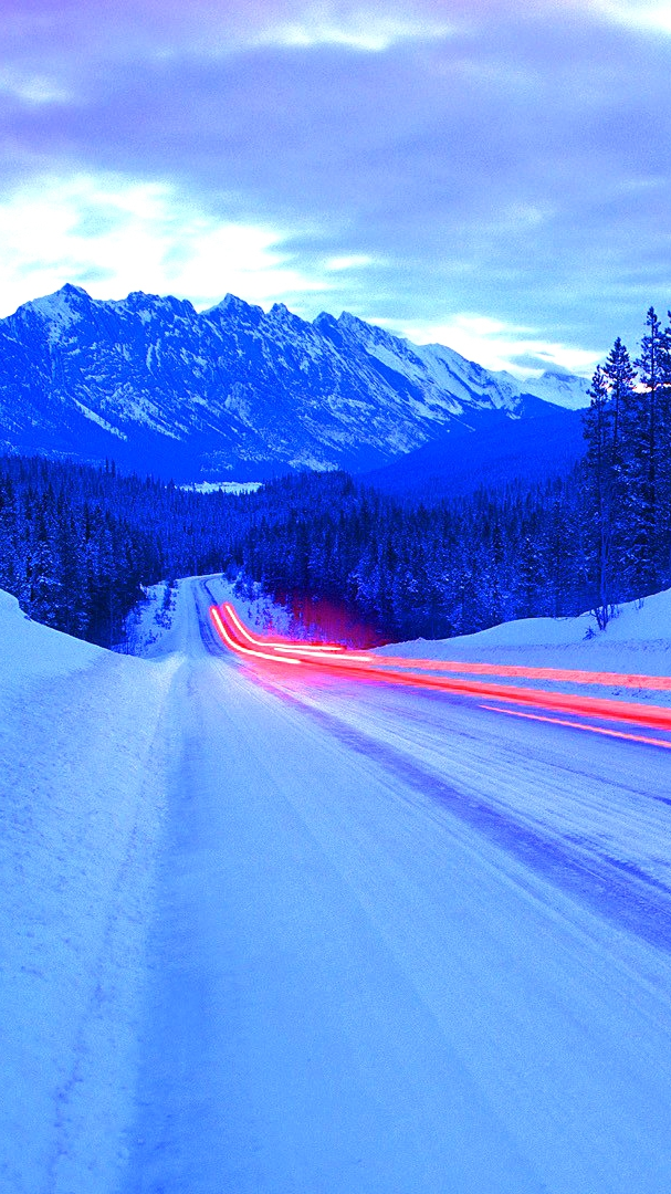 Iphone Wallpapers Com Long Exposure Light Effect On Ice Road Iphone Wallpaper