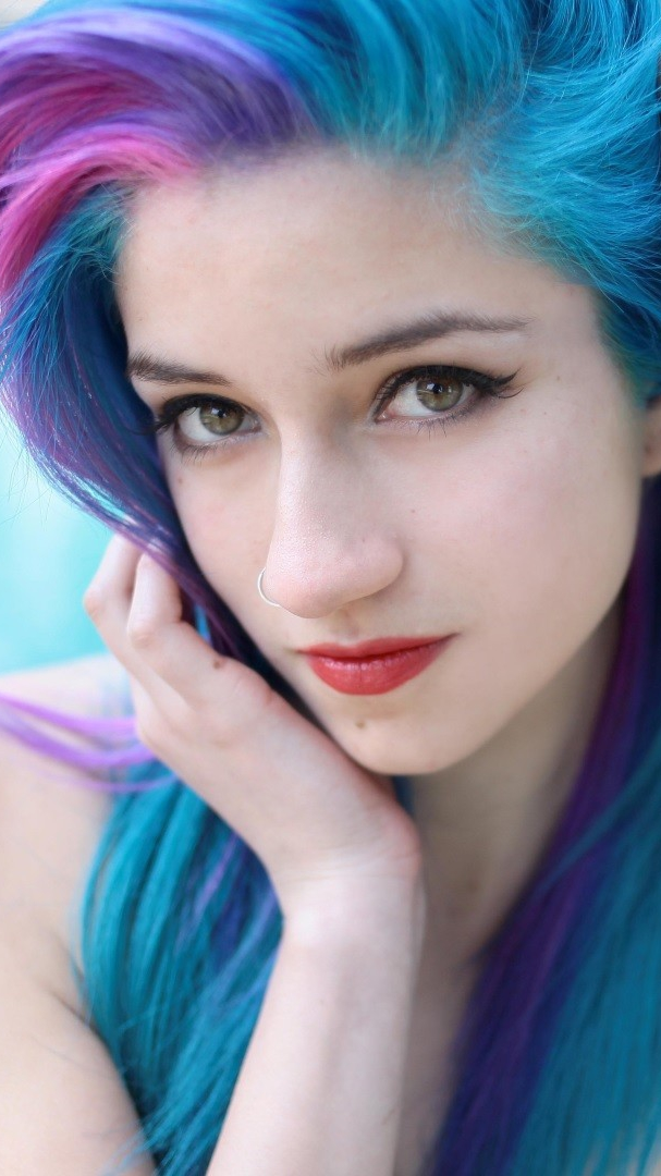 Cute Girl Eyes Wallpaper Fay Suicide Beautiful Girl Coloured Hairs Iphone Wallpaper