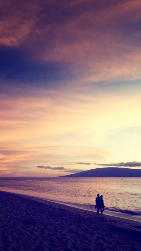 Cute Married Couple Hd Wallpapers Couple Holding Hands On Beach Iphone Wallpaper Iphone