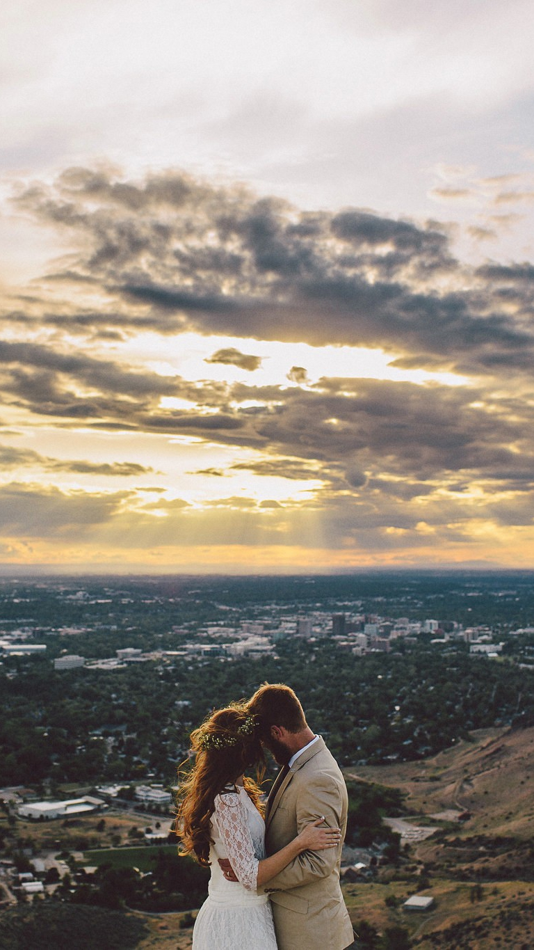 Wallpaper Download Cute Couple Newly Married Couple Loving Sunset Iphone Wallpaper