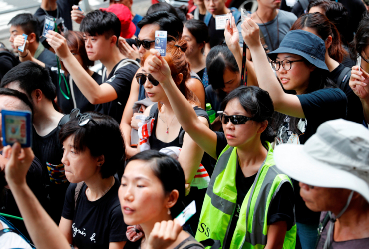 Hong Kong fails to condemn police violence against journalists -  International Press Institute