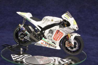 Yamaha YZR-M1 photo by JohnTapsell