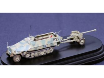 Class 34 Gold - Hannomag 251/1 & Pak 40 by Mark Brierley
