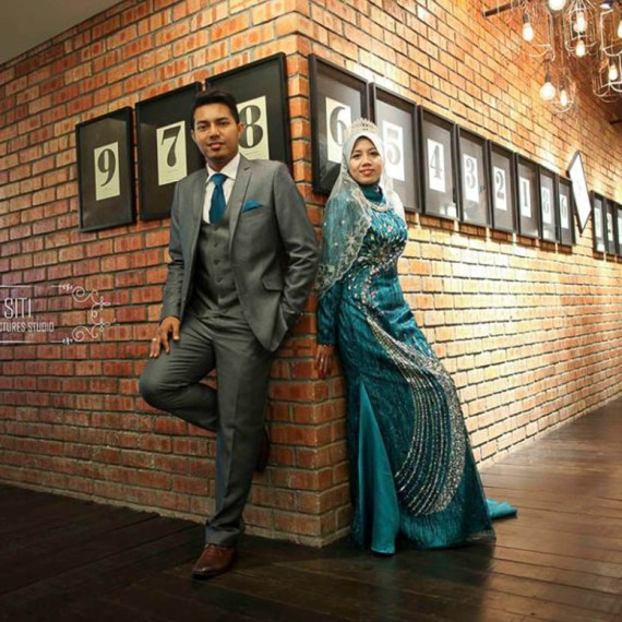 by Candid Photo