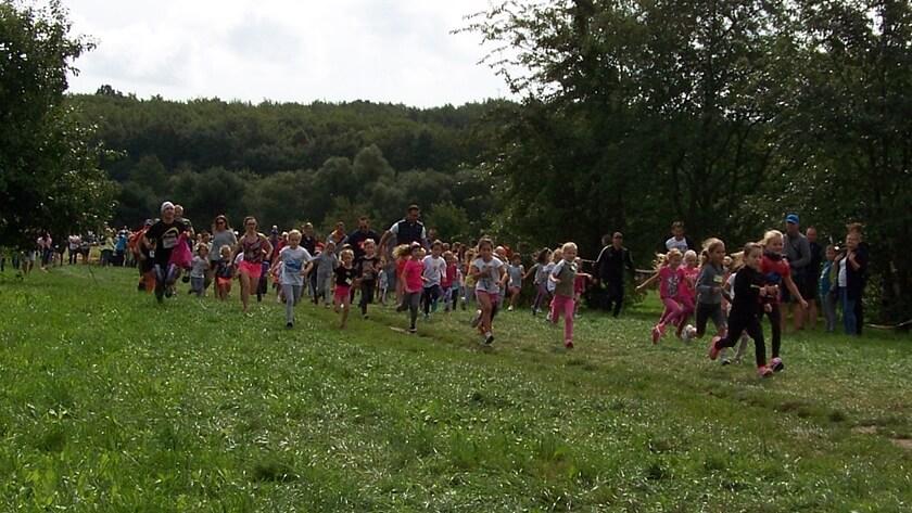 bieg przedszkolaków podczas Dzikiego Weekendu w Policach