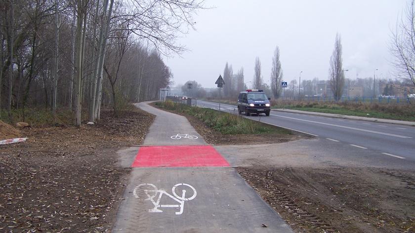 rowerem do Jasienicy można już dojechać ścieżką rowerową