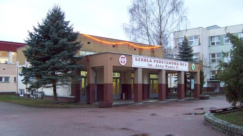 szkoła podstawowa nr 8 w Policach