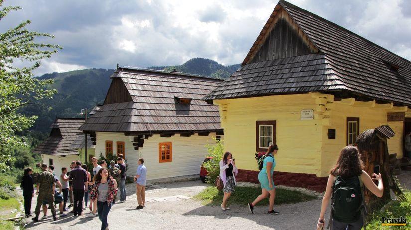 https://i0.wp.com/ipravda.sk/res/2017/07/19/thumbs/vlkolinec-slovensko-turisti-clanokW.jpg
