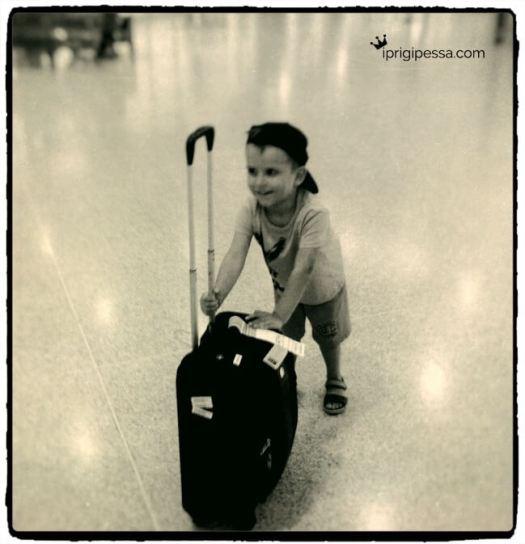 Ταξιδεύοντας αεροπορικώς με παιδιά