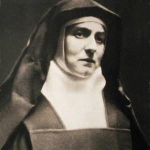 """S. Teresa Benedetta della Croce: dal Carmelo al martirio nel lager, """"mano nella mano"""" con MARIA"""
