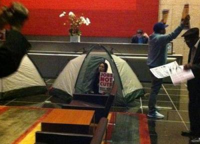 SEIU protestors occupying a Bank of America in Los Angeles. (SEIU721 / Flickr)