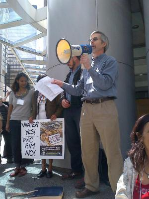 IPS Director John Cavanagh speaks in support of the people of El Salvador against Pacific Rim mining company.