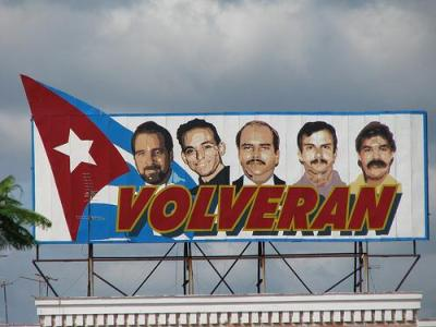 A billboard in Cuba proclaims the Cuban Five shall return home. Photo by Dave Smith/Flickr.