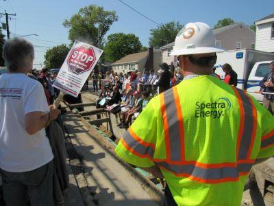 anti-pipeline-movement-spectra-energy
