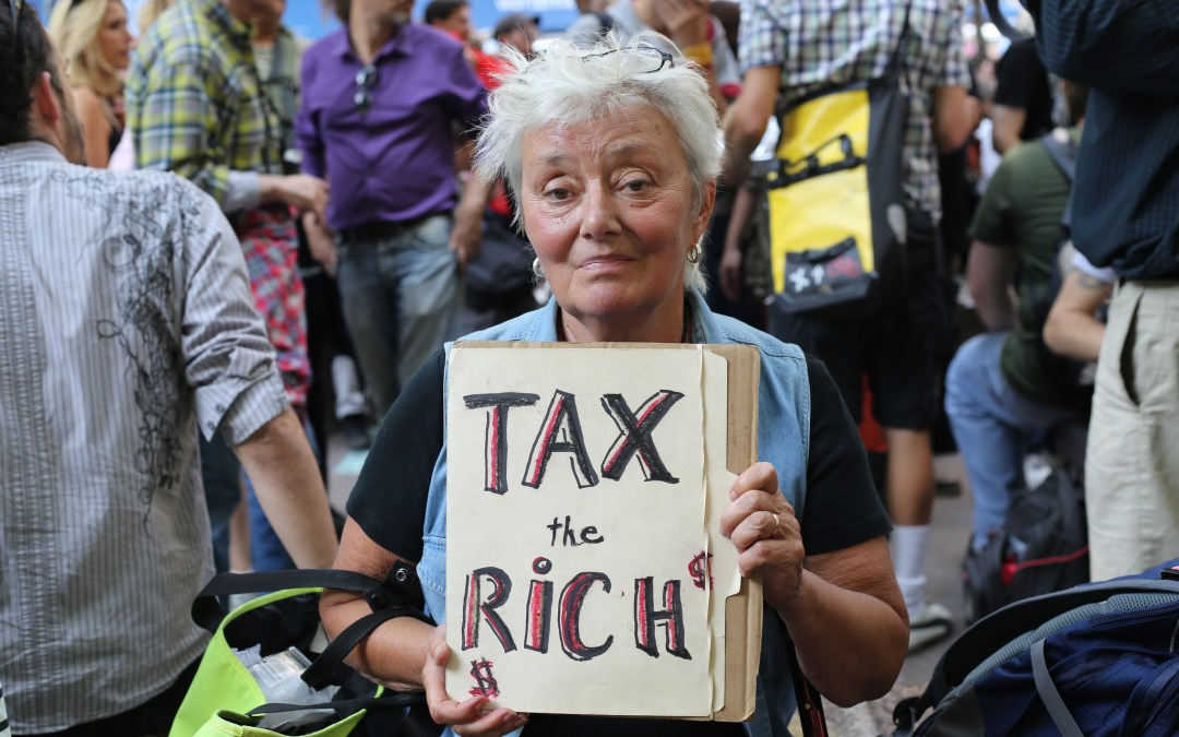 A Bus Tour Pushes For Higher Taxes on the Rich