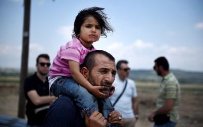 syrian-refugees-child-parent