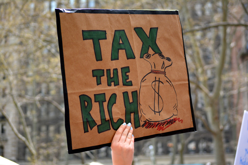 Dear Billionaires: Pitchforks or Fair Tax System?