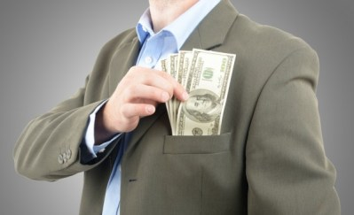 Money-in-Pocket-CEO-Rob-Hyrons-600x365