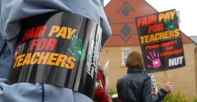 fair-pay-teachers-protest