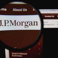 jp-morgan-chase-banking-ceo-pay